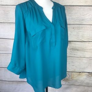 Torrid 3/4 roll tab sleeve v-neck teal top